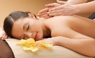 Cách massage bấm huyệt tại nhà thư giãn, khỏe hơn