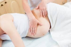 Cách xoa bóp bấm huyệt giúp an thai