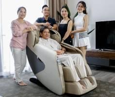 Ghế massage giúp người già giảm đau nhức mỏi toàn thân