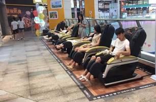 Ngồi ghế massage thường xuyên có tốt cho sức khỏe hay không?