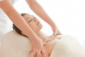 Suýt phải cắt bỏ ngực chỉ vì đi… massage