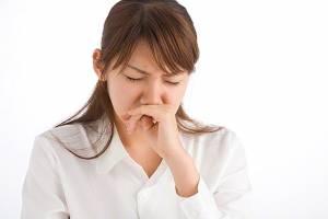 Trị nghẹt mũi bằng massage bấm huyệt